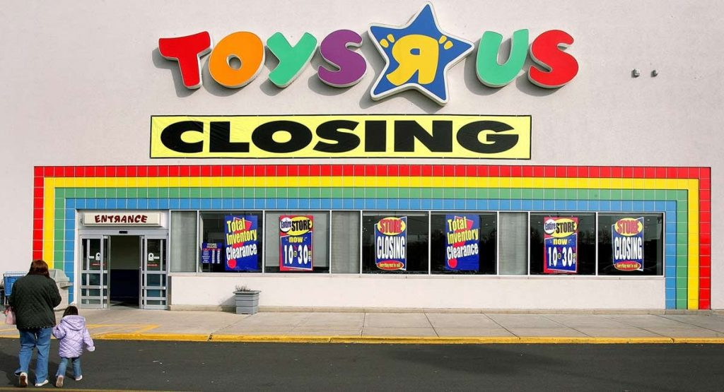 Toys R Us Closing Sign